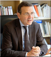 Antoine-Garapon-180
